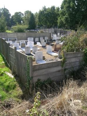new-southgate-crematorium-and-cemetery_2887525891_o