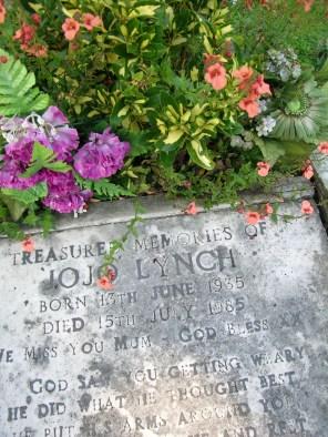 new-southgate-crematorium-and-cemetery_2888362210_o