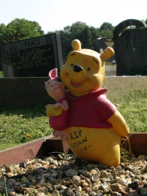 new-southgate-crematorium-and-cemetery_2888385526_o