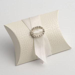 Antique White Pelle Pillow Favour Box