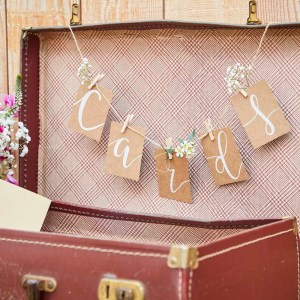 Kraft Cards Bunting and Peg Set