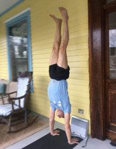 Barton proves his handstand ability