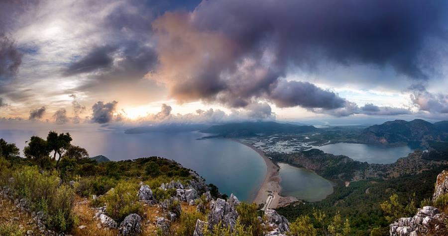 Storm clouds at Iztuzu