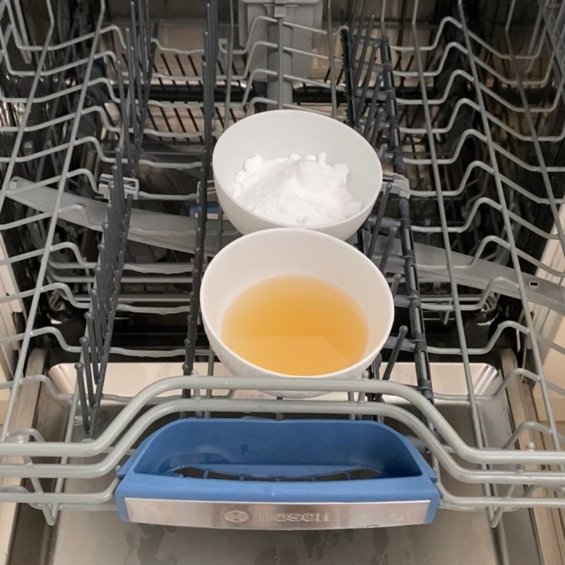 Natural Chemical Free Way To Clean Your Dishwasher