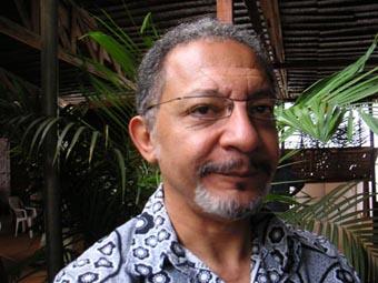 Joel Zito Araújo, cineasta e roteirista. Foto: www.africultures.com