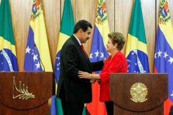 Os presidentes Maduro e Dilma no Palácio do Planalto: acordos de cooperação nas áreas industrial e militar (Foto: Prensa Miraflores)