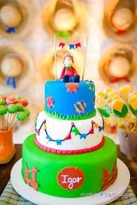 Bolo-festa-infantil-são-joão-02 Idéias para festa Infantil com tema Fazendinha para meninos e meninas