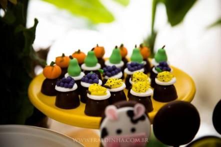 Doces-aniversário-tema-Fazendinha-Country-São-João-69 Idéias para festa Infantil com tema Fazendinha para meninos e meninas