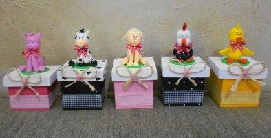 Lembrancinha-aniversário-fazendinha-caixa-mdf Idéias para festa Infantil com tema Fazendinha para meninos e meninas