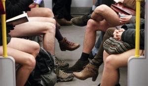 """""""Dia Sem Calça"""" no metrô de NY"""
