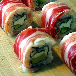 Rolinho de sushi épico (com bacon)