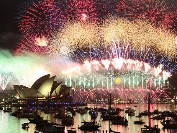 849127-sydney-new-years-eve