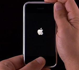 айфон 5 не включается что делать появляется яблоко и гаснет