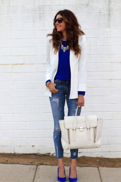 c4e5c3af6b93 ... ταιριάζει το μπλε χρώμα στα ρούχα