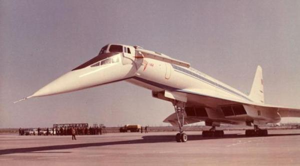 Советский сверхзвуковой пассажирский самолёт Ту-144 ...