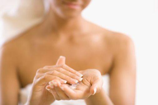 как смягчить кожу рук зимой