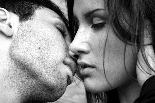 randevú egy srácgal, akit még soha nem csókoltak meg