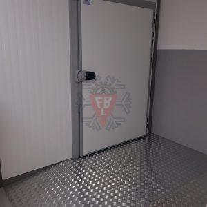 Câmara Frigorifica Porta Pivotante - F. Brigido