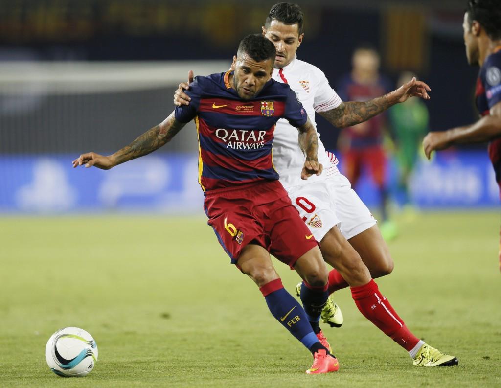 Luis Enrique Confirms Dani Alves Could Return For Levante Clash