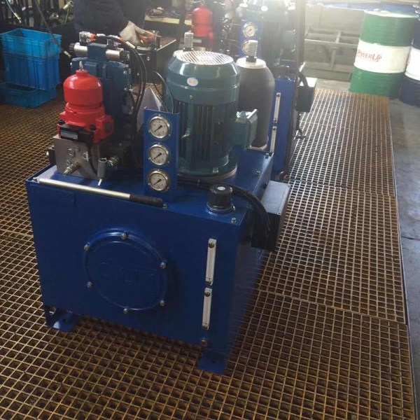 Hydraulic control check butterfly valve-hydraulic control device