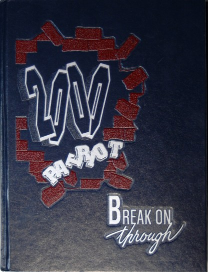 2000 Fort Dorchester Patriot Yearbook Cover