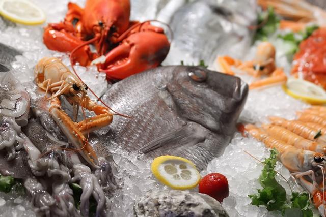 Edible biodegradable film kills pathogens on seafood