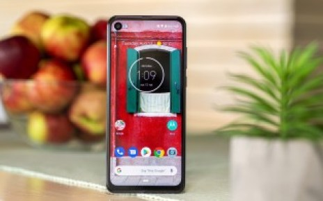 Motorola One Action starts receiving Android 11 update