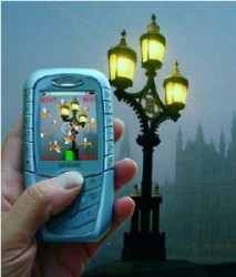 """Mozzies was an AR game for the Siemens SX1 <a href=""""https://www.mobiletrend.ca/2019/03/10/counterclockwise-remembering-the-classic-mobile-games/5753/"""" target=""""_blank"""" rel=""""noopener noreferrer"""">image credit</a>"""
