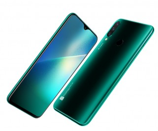 BLU G80 in black and green