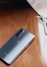OnePlus Nord in Gray (matte finish) and Blue (polished)