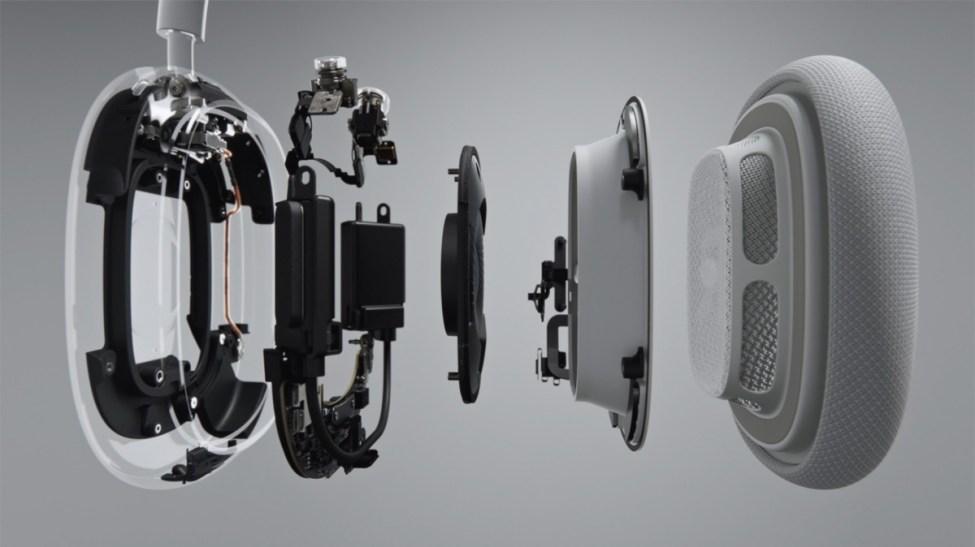 Apple'ın yeni AirPods Max'i, aktif gürültü engelleme özelliğine sahip bir yılı aşkın kulaklıklardır