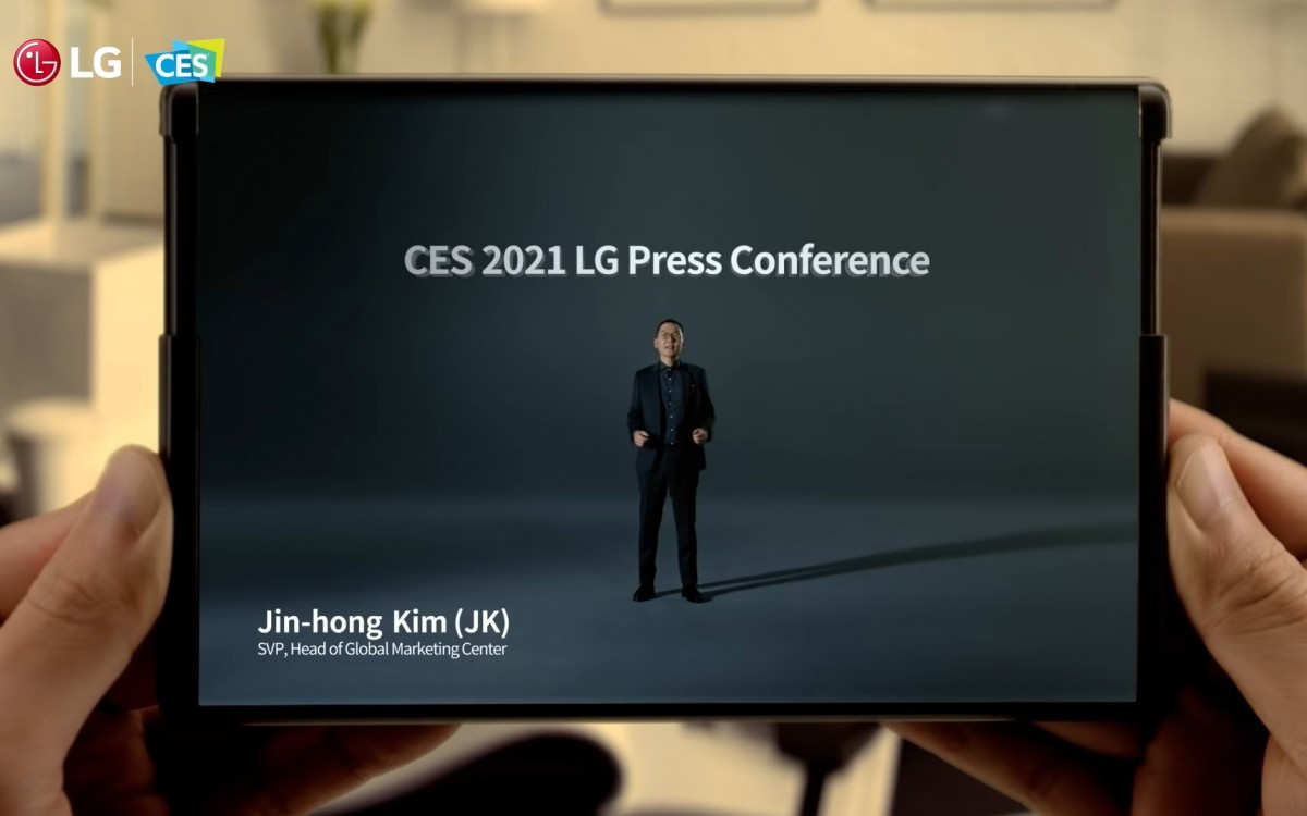 LG membantah laporan bahwa mereka telah membatalkan ponsel yang dapat digulung
