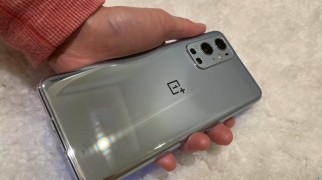 OnePlus 9 Pro hands-on (source Dave2D)