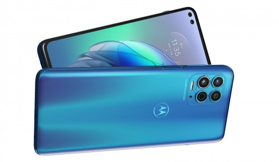 The Motorola G100 brings the Snapdragon 870 and a 5,000 mAh battery to the global scene