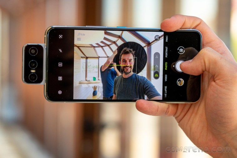 Our Zenfone 8 Flip video review is up