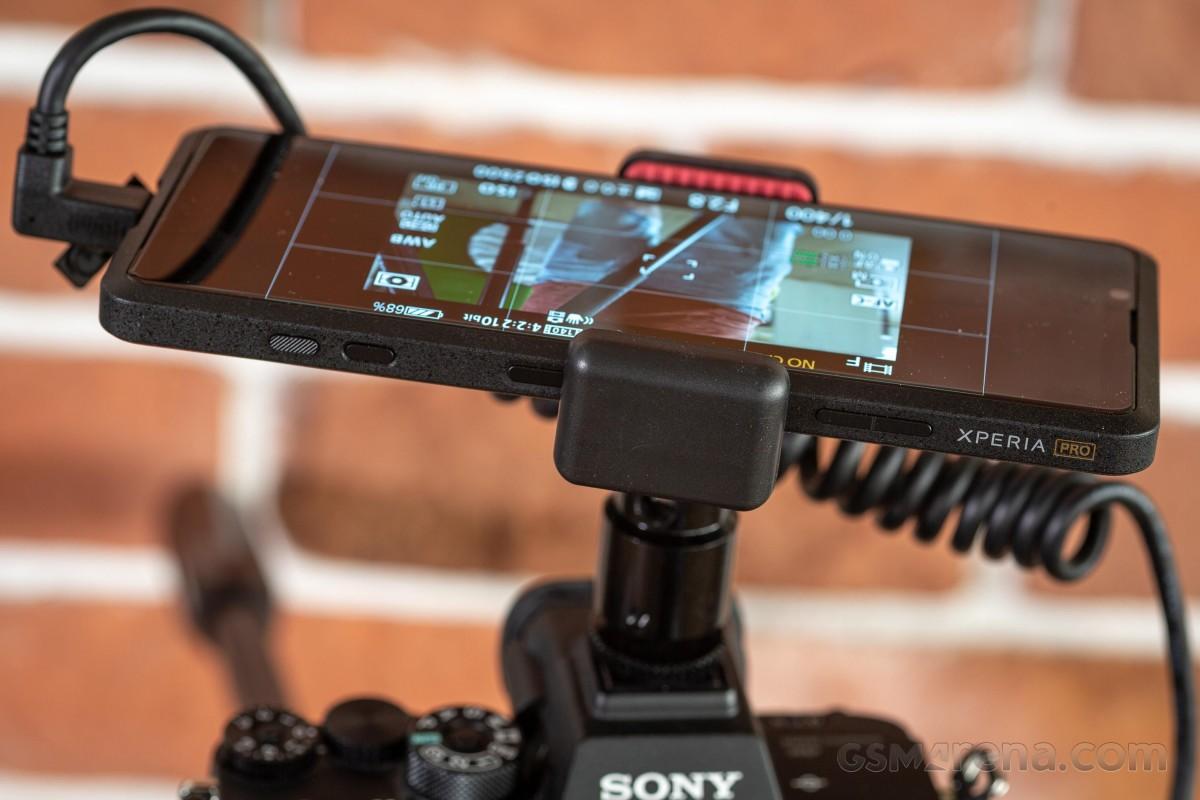 Sony Xperia Pro hands-on - Pro sejati atau upaya setengah hati dalam sebuah konsep?
