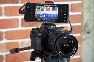 Menggunakan Sony Xperia Pro sebagai monitor untuk kamera