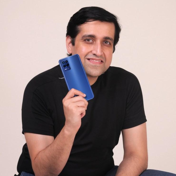 Madhav Sheth with Realme 8s 5G