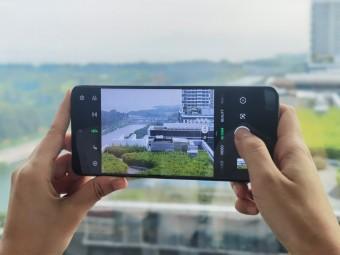 Aplikasi kamera memperbesar