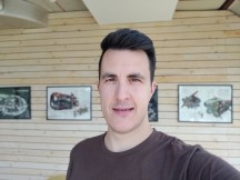 Selfies: Portrait - f/2.0, ISO 100, 1/187s - Oneplus 7 review