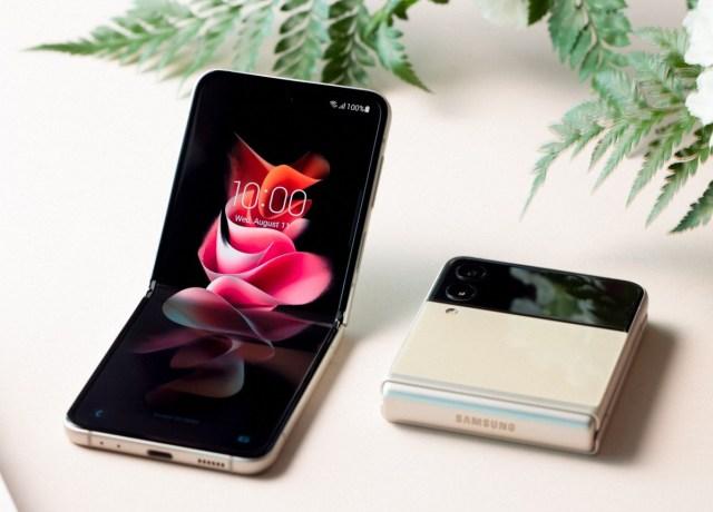 Samsung Galaxy Z Fold3 and Z Flip3 hands-on review - GSMArena.com tests