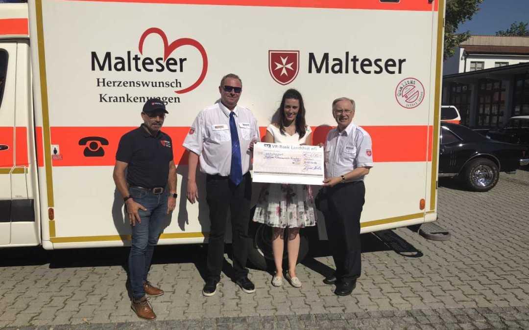 """""""Jeder Euro hilft"""" –  MdB Nicole Bauer übergibt Spende an Malteser Herzenswunsch-Krankenwagen"""