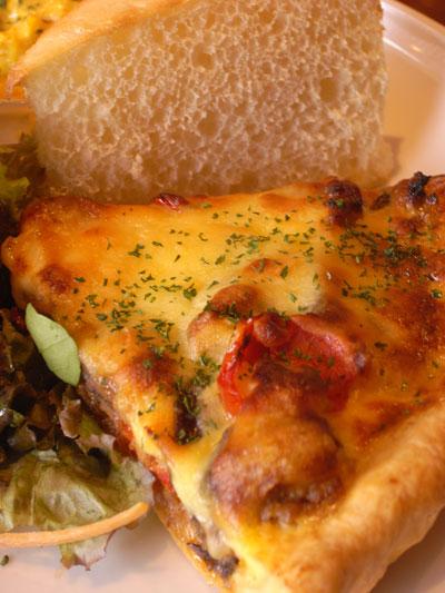 ひき肉と夏野菜のキッシュプレート