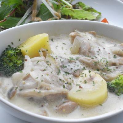 チキンと野菜のクリーム煮 粒々マスタード風味