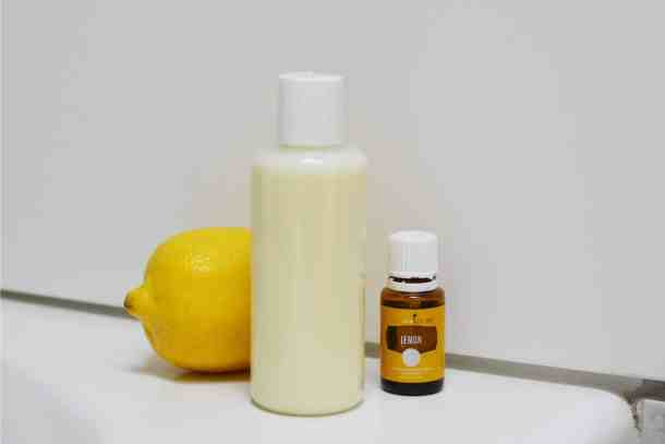 Clarifying Shampoo with Lemon and Lemon Essential oil