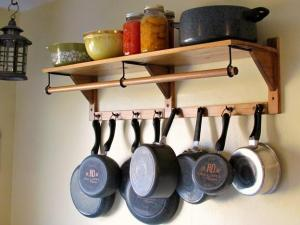 10 Cozy Hanging Up Pots Design For Practicality