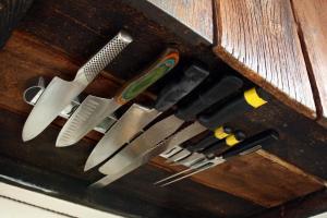 9 Best Knife Storage Ideas, Make A Fuzzy Cozy Kitchen