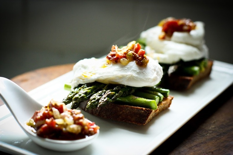 Asparagus with Poached Eggs and Toast | Feasting At Home