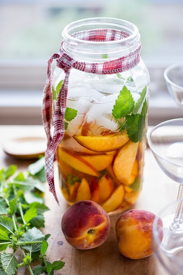 how to make peach sangria drink