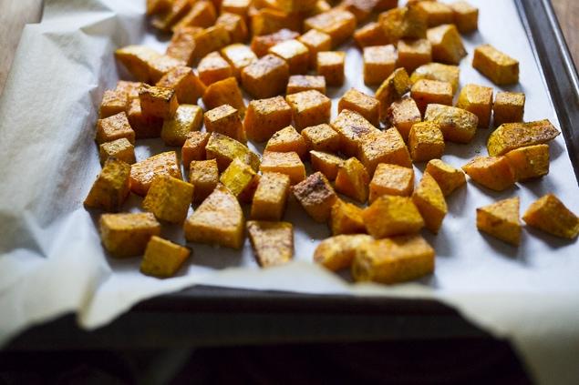 Roasted Butternut Tikka Masala with fragrant Indian tomato curry sauce. Add chicken or chickpeas. Vegan, Gluten Free! | #butternut #tikkamasala | www.feastingathome.com